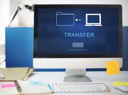 Computer screen transferring files